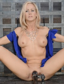 Mommy is ready to fuck